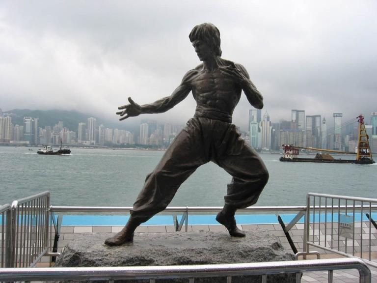 Bruce-Lee-statue-1600-1200.jpg